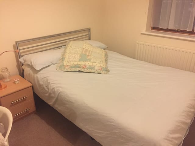 Double room 4 mins from station! - Saint Albans - Apartamento