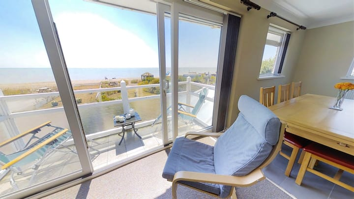 Beach Garden - 4 bedroom seaview apartment