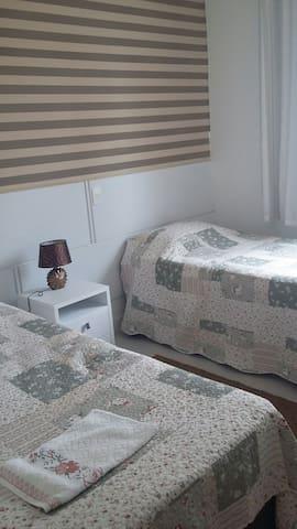 Suite agradável com duas camas. - Balneário Camboriú - Lägenhet