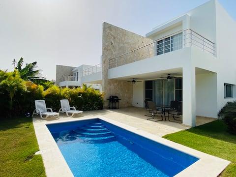 Deluxe & Private Beach Villa, Playa Nueva Romana⛱