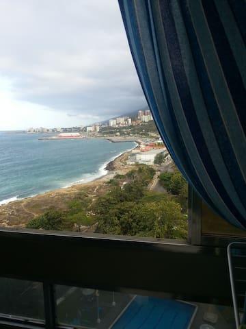Apartamento frente al mar, con A/C. - Macuto