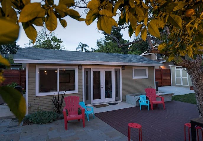 Modern guest house with outdoor hot tub in HLP! - Los Angeles - Gästhus