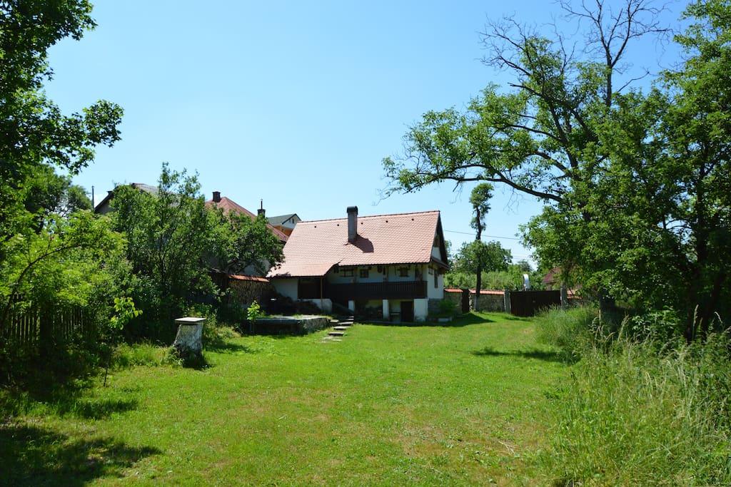 Stone And Wood House Of Maramures Transylvania Maisons