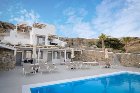 "Mykonos4Islands Seaside Apartment ""Demeter"""