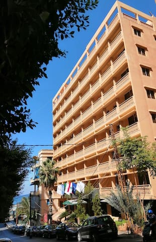 Beirut - Large studio near the sea and Hamra st.