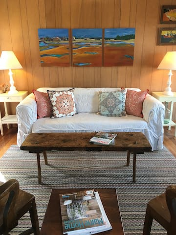 Perkins Cove- Rustic Charm Cottage
