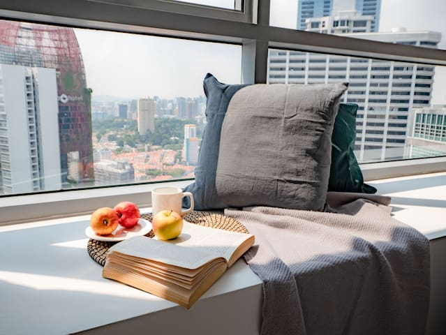 1BR Apartment near CBD with Stunning City View