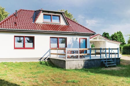 Holiday cottage with 1 bedroom on 83m² in Rukieten