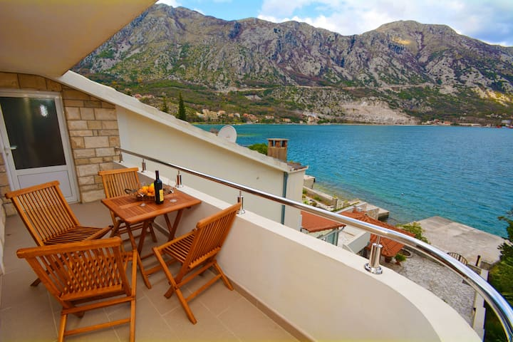 BEACHFRONT PROPERTY - 1BD Apartment - Kotor - Apartment