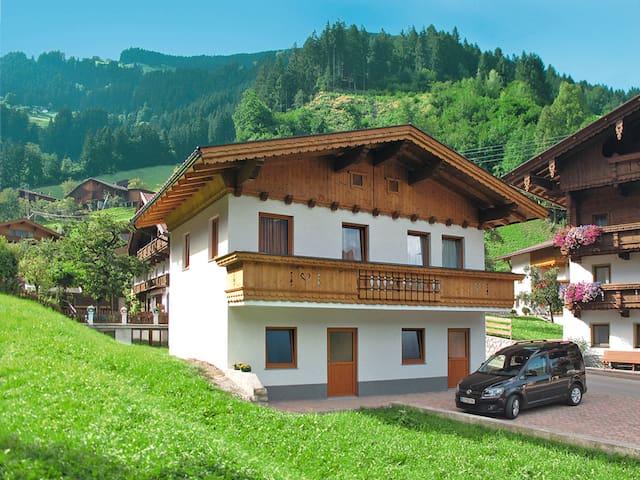 60 m² house Ratschnhäusl in Mayrhofen - Mayrhofen - Casa