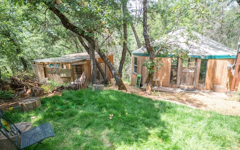 Enchanting Getaway Yurt