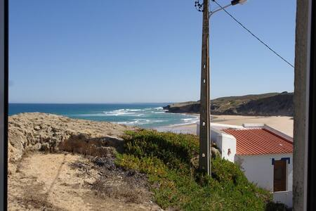 Authentic beach house with amazing see view. - Aljezur