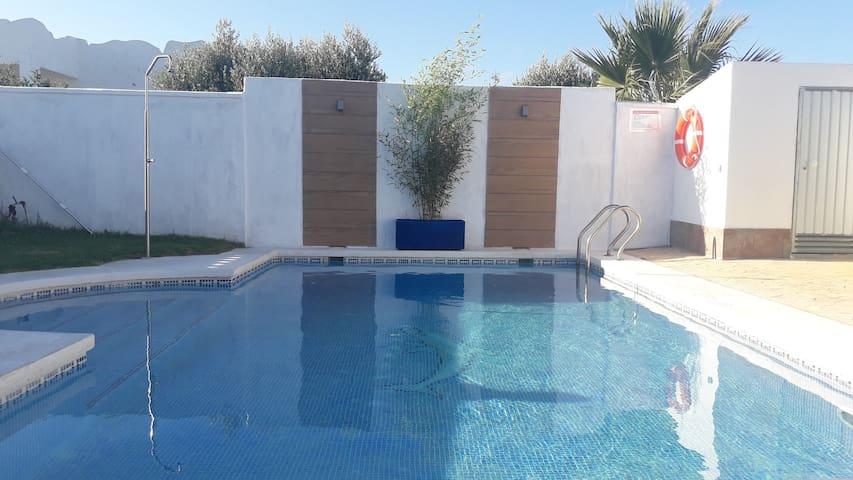 CASA INMA con piscina privada en Conil para 6 pers