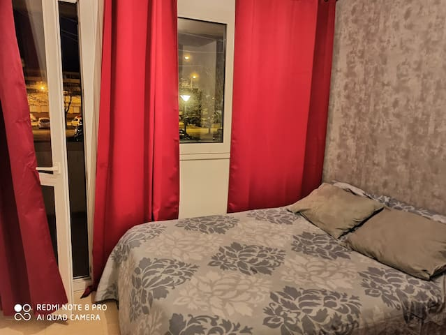 Room 17mn from CDG airport, 20mn from Paris nord