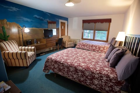 Room in Popular Restaurant in Cornwall-on-Hudson 9