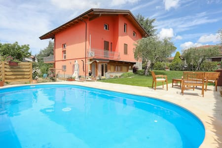 Wonderful  villa for 5 people with private pool, A/C, WIFI, TV, patio, panoramic view and parking