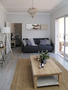 Tranquil garden stay in beautiful Paarl