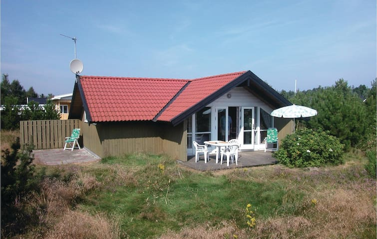 Holiday cottage with 2 bedrooms on 58m² in Ålbæk