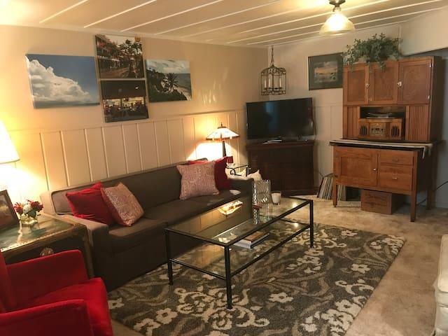 Historic Area Cottage Suite
