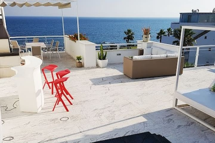 Casares del mar -  Seafront penthouse