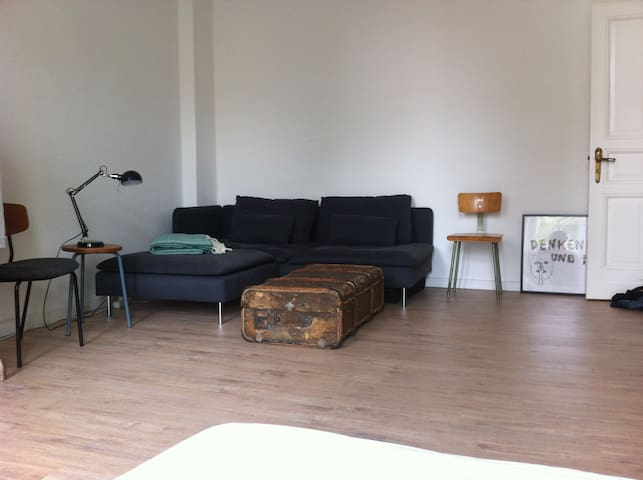 cosy, bright and quiet one-room apartment - Berlín - Byt