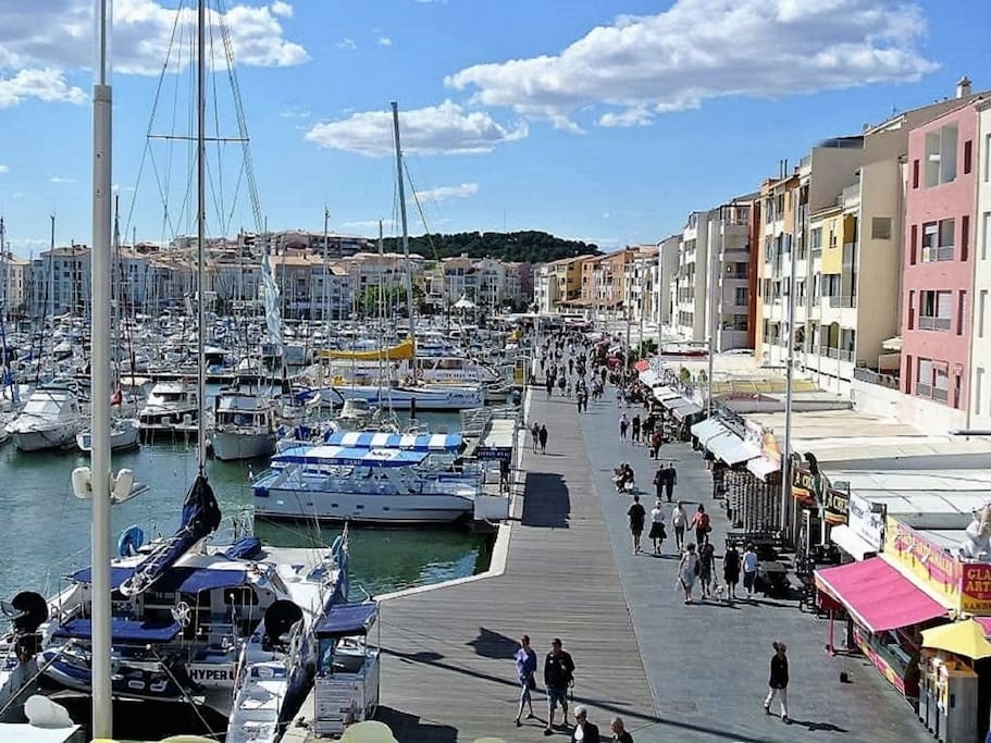 La marina en descendant de l'appartement
