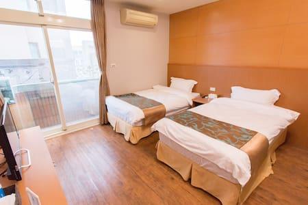 免費接站,住宿免費租電動車!精緻雙人房,雙小床151 - Hualien City