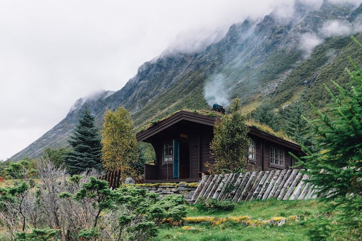 """Crystal lake and quiet cottage life  """"off grid"""""""