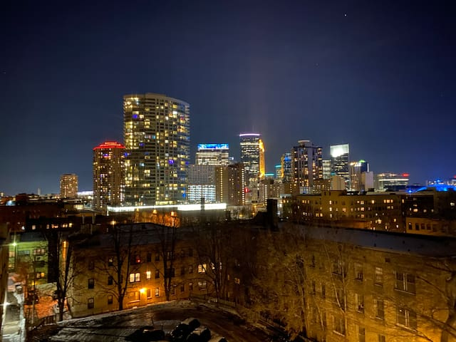 ***CITY LIGHTS*** in heart of Loring Park ❤️