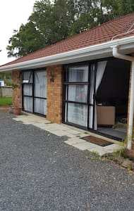 Spacious self contained 1 bedroom unit - Kerikeri