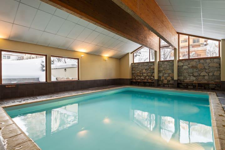 Appartement au pied des pistes | Accès 2 piscines + Sauna