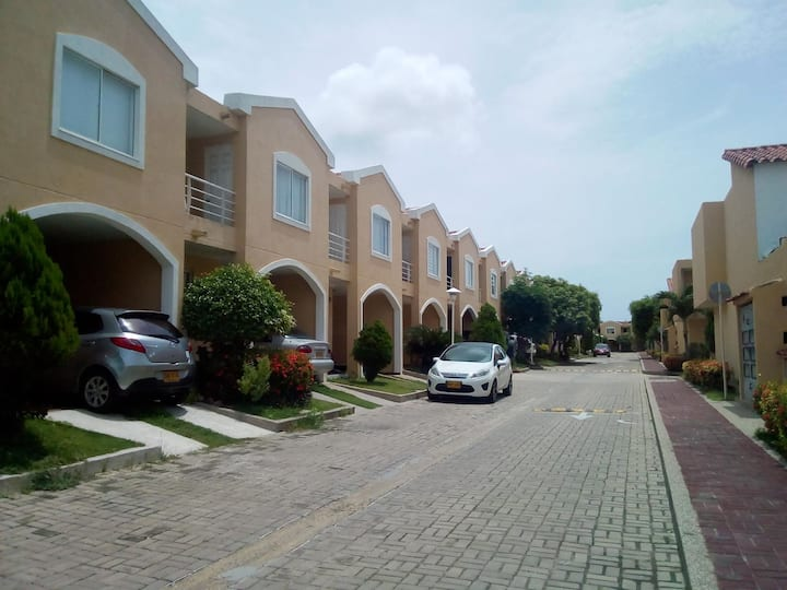 ✔ Spacious and beautiful house in exclusive sector