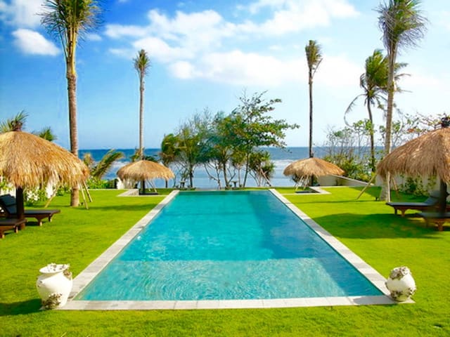 Luxury 5br beachfront villa - Amazing ocean view ! - Tabanan Sub-District