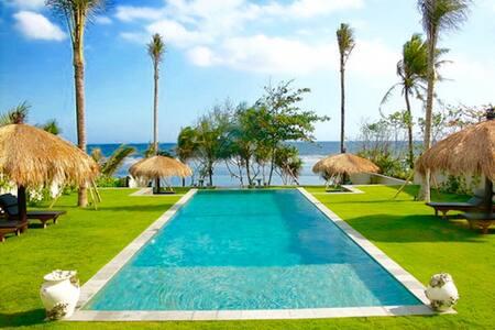 Luxury 5br beachfront villa - Amazing ocean view ! - Tabanan Sub-District - Villa