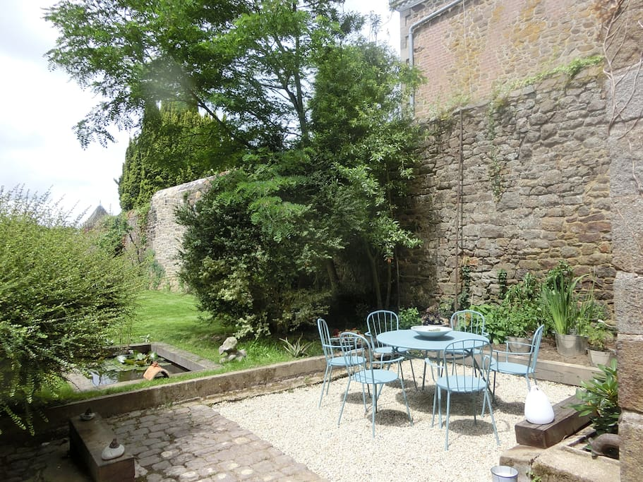 Terrasse privative dans le jardin Sud Ouest
