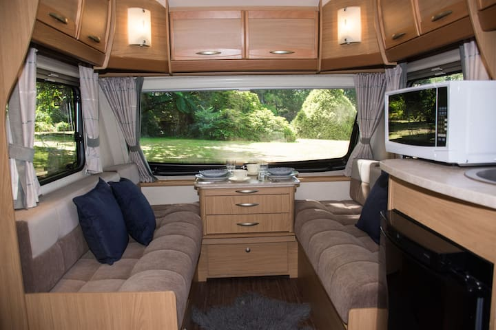 Modern Caravan on Boutique Equestrian Estate