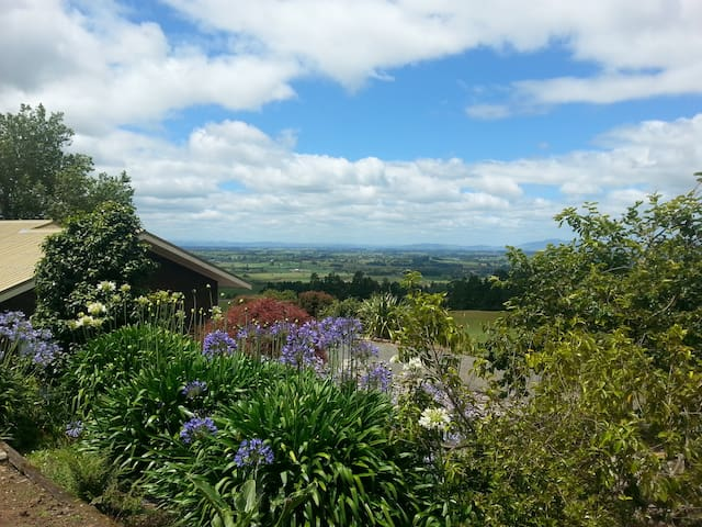 Mountainside Haven - Pirongia - Ev