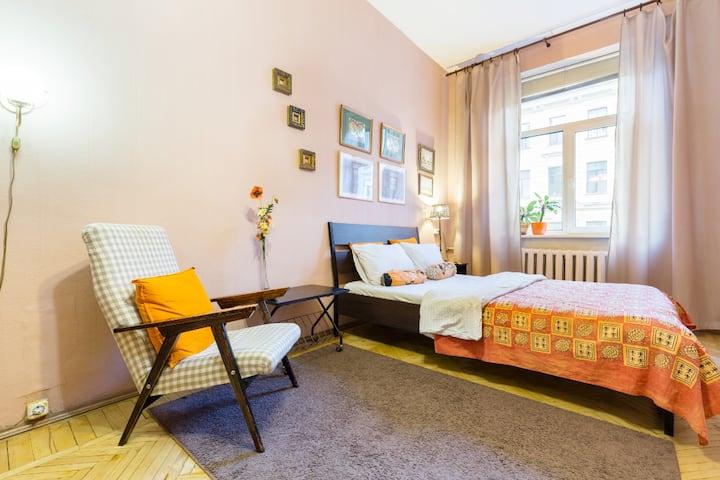 Уютная комната в центре Питера