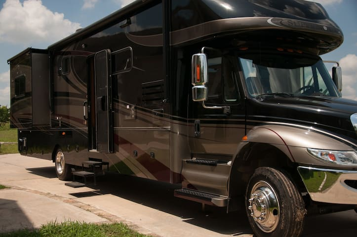 Luxury Concierge RV Motorhome