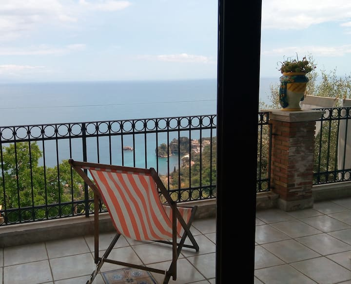 "Awesome view in Taormina at Villa ""Petri di Sali"""