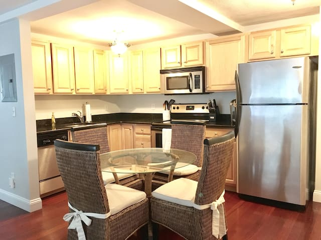 Condo with parking and close to T!