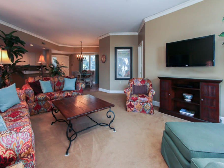 Living Room at 206 Windsor Place in Palmetto Dunes