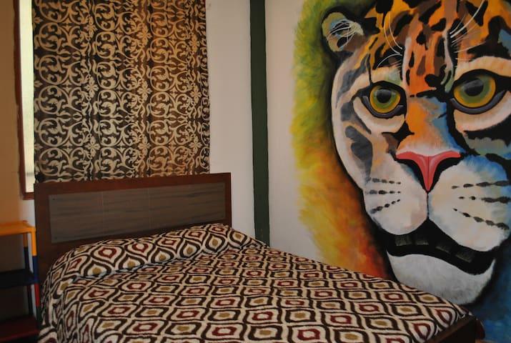 habitacion privada con cama doble