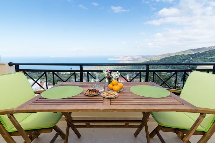 Magnificent sea and mountain views - Roussa Ekklisia - Haus