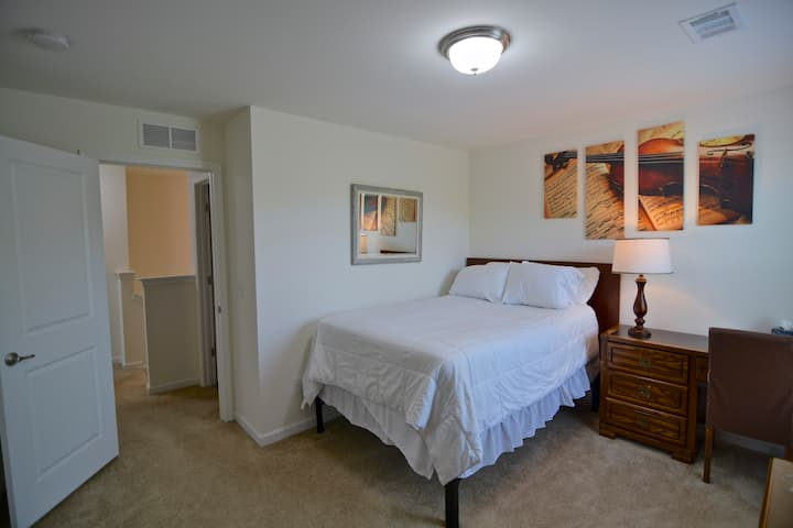 Nashville Private Room! All Amenities Included!