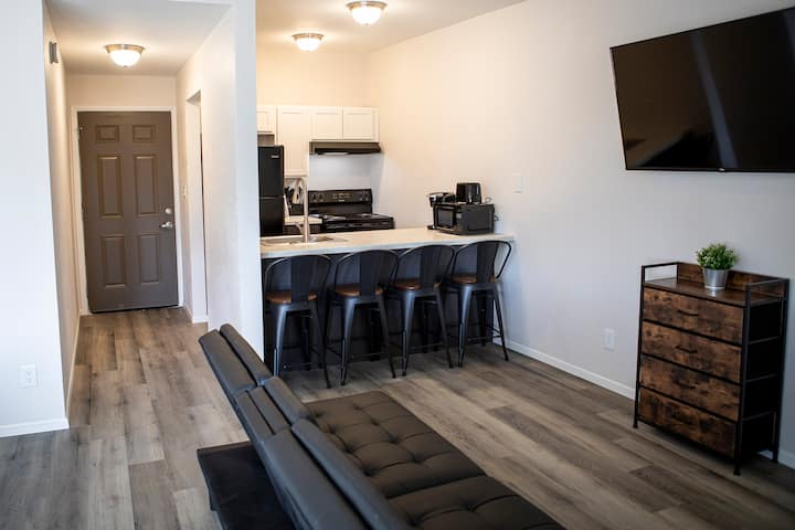 New and Modern Apartment Near Ft. Huachuca