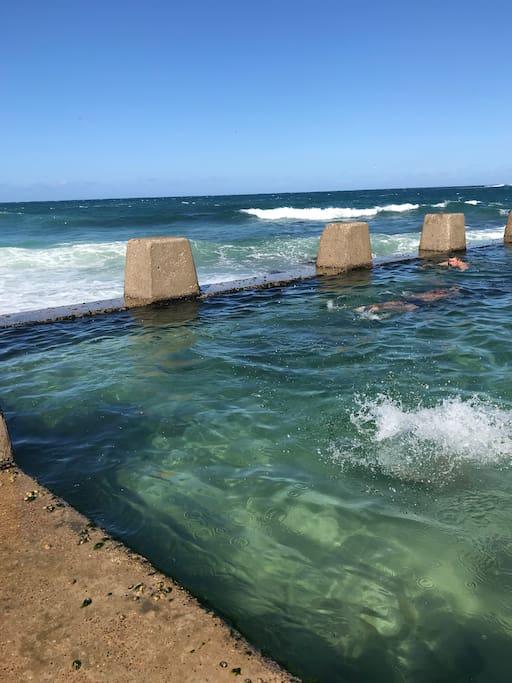 A free ocean pool, south end of the beach.