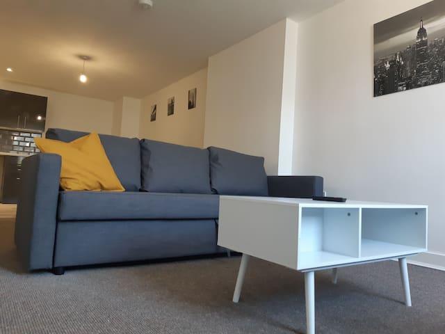 Quilt House, Apartment 5