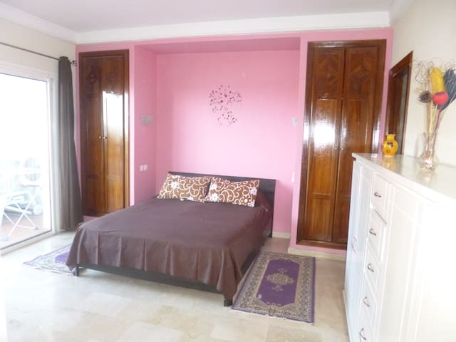 Super appartement à la marina d'agadir