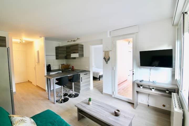 Appartement au bord de mer avec piscine, terrasse